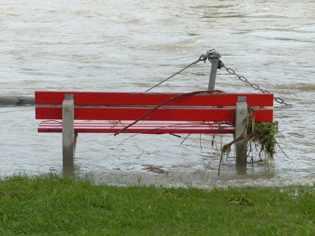 high water, park bench, flooded-123226.jpg